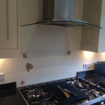 white cooker splashback before 304x241